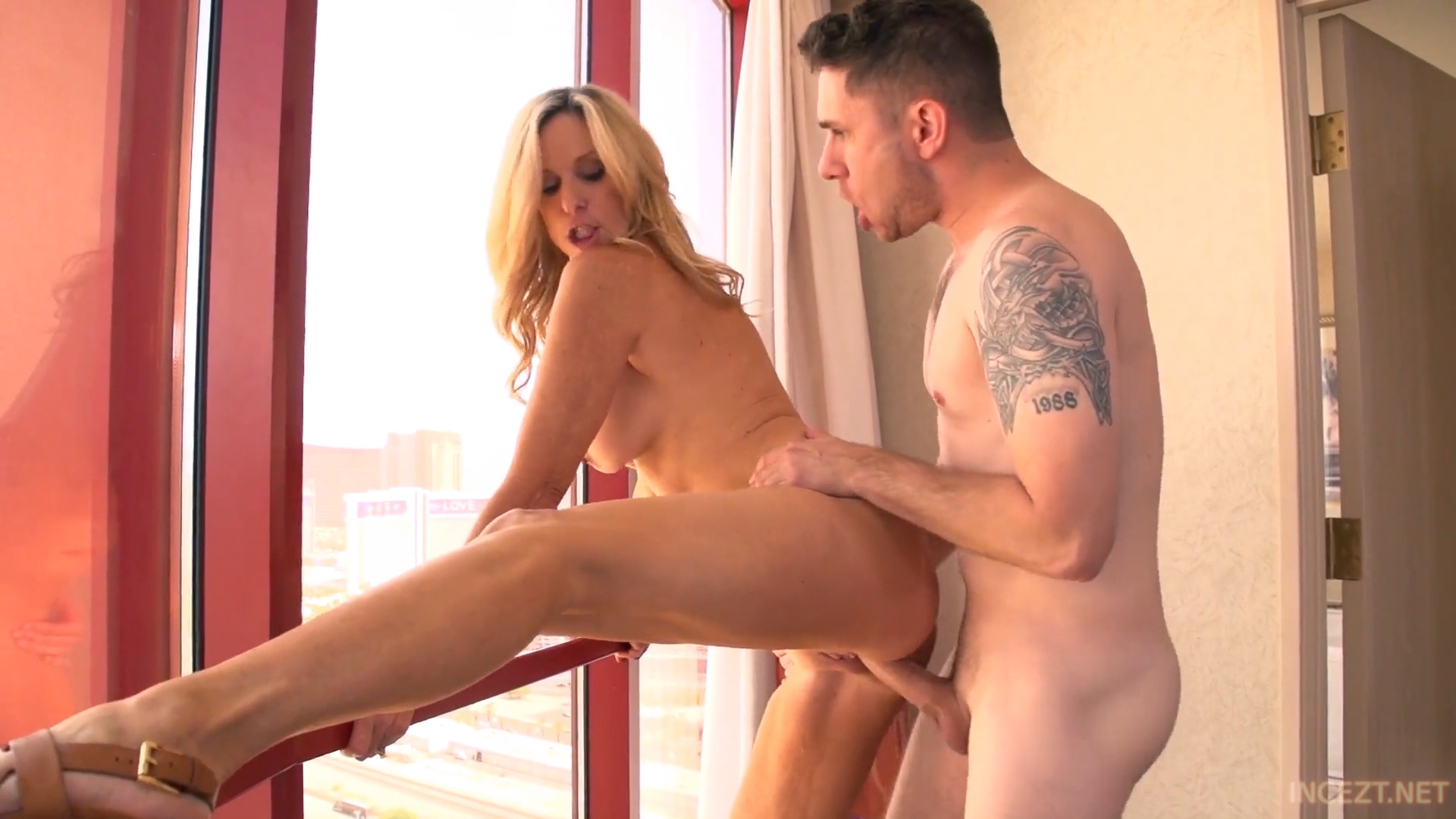 Jodi West – lonely housewife fucks step son on vacation_shot