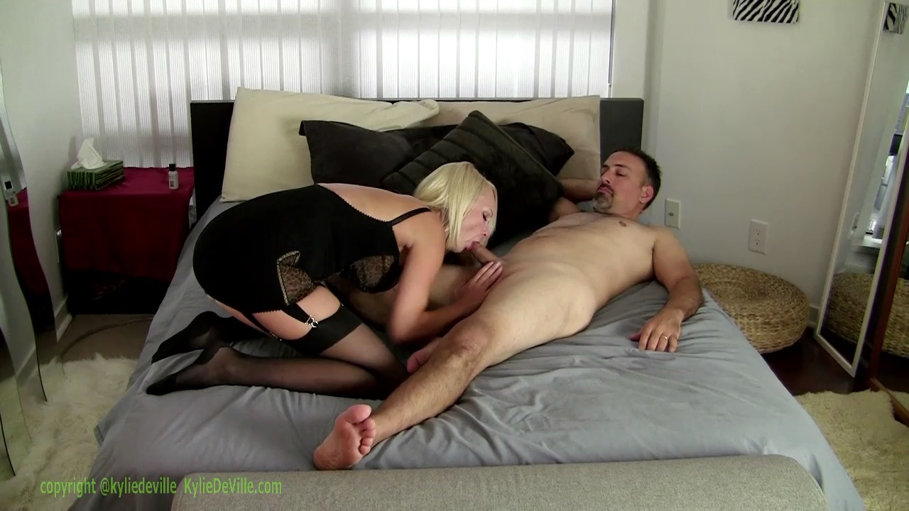 Kylie DeVille – My Perv Uncle Jerks to Me Fucking_shot