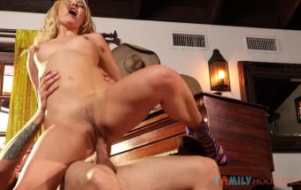 Pervy Piano Lessons With Stepmom – Aaliyah Love – Family Hookups
