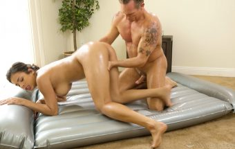 Favorite Uncle – Autumn Falls – Nuru Massage