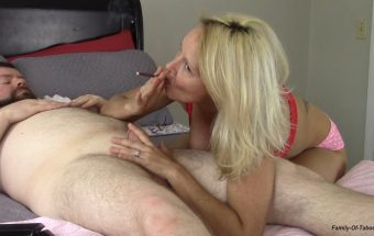 A Blow job from Mommy – Buddahs Playground