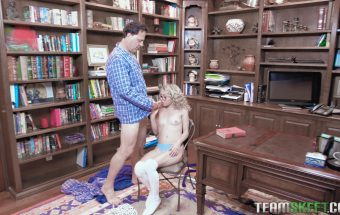 Tiny Bookworm Blonde – Allie Addison – Team Skeet