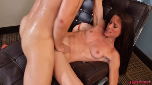 1582_Sofie-Marie-Mom-Takes-Son-To-Boarding-School_shot_000