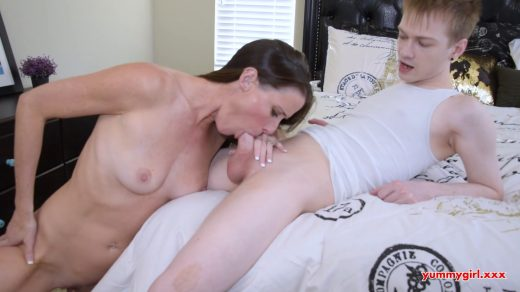 1902_Sofie-Marie-Yummy-Step-Mom-My-Mommy-Blows-Me_shot_000