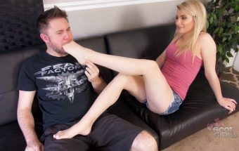 Maia humiliates & makes bro cum in pants with feet – Maia Evon – Bratty Foot Girls