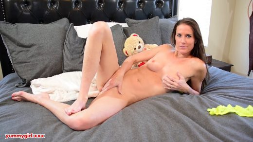 2013_Sofie-Marie-Yummy-Step-Mom-I-Walked-In-On-Mom_shot_000
